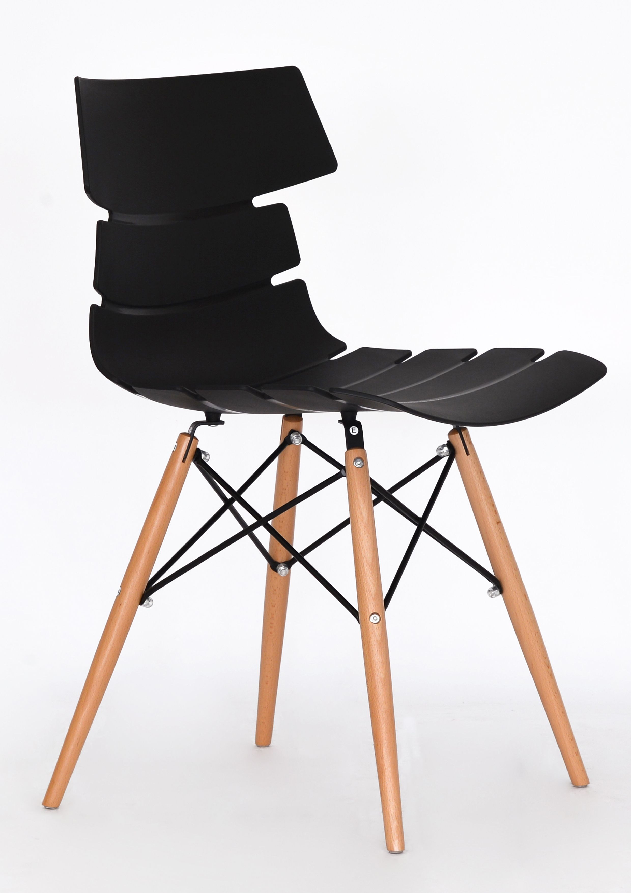 Chaise TESS - pieds bois et acier noir - noir